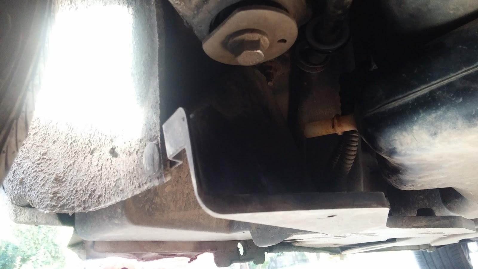 Ogromny Peugeot 407 Coupe: Uzupełnienie dodatku filtra cząstek stałych w QX67