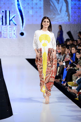 Ali-xeeshan-victory-collection-2017-at-pfdc-sunsilk-fashion-week-6