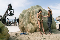 Wonder Woman (2017) Gal Gadot and Patty Jenkins Set Photo 4 (60)