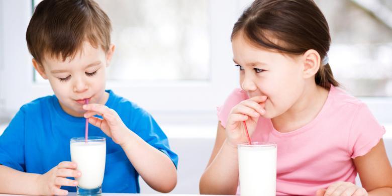 Memilih Susu Pertumbuhan untuk Anak