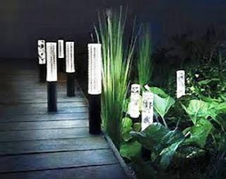 4 Cara Merawat Lampu Taman Rumah Agar Awet dan Tahan Lama