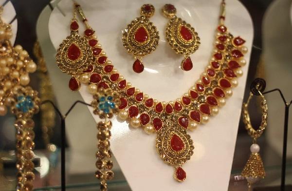 Tips Agar Warna Perhiasan Emas Tidak Pudar