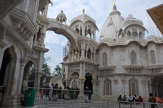 Iskcon temple vrindavan room booking