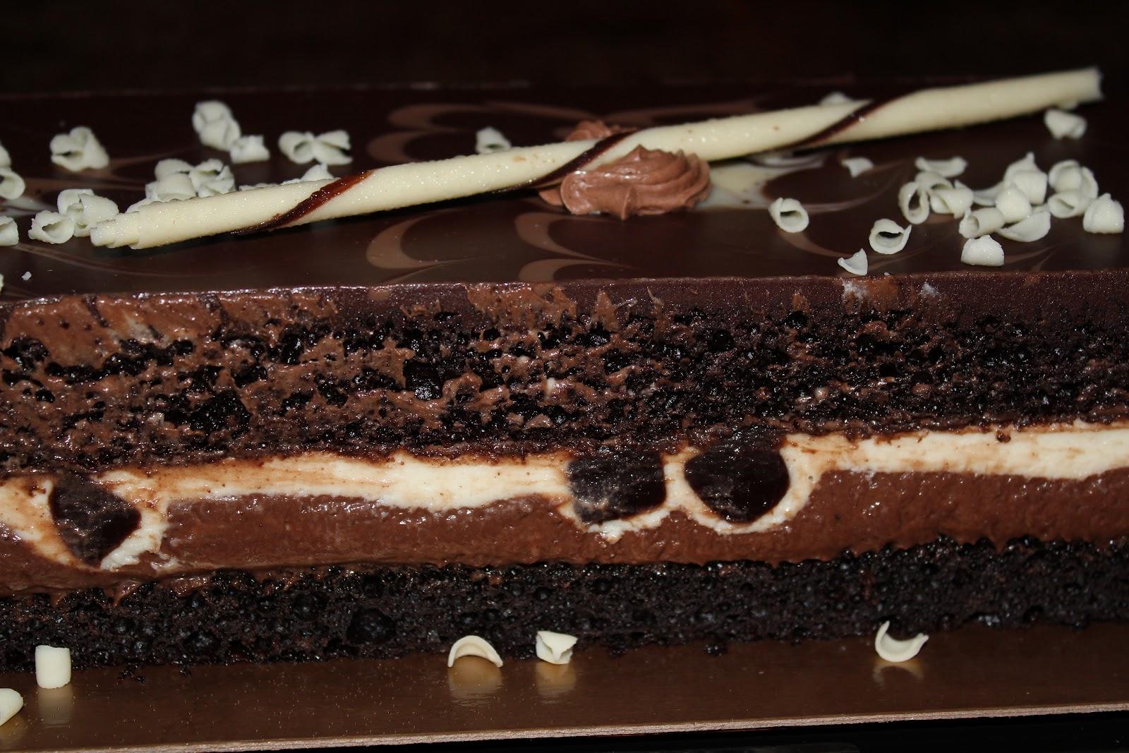 Tuxedo Chocolate Mousse Cake Recipe