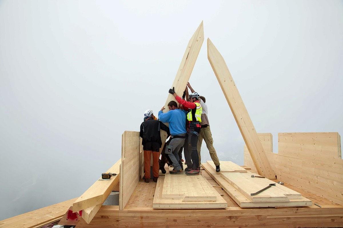 بناء المنزل الجبلي الصغير