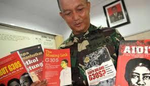 Ada Pihak yang desak Jokowi Pecat Anggota TNI Yang Razia Buku PKI - Commando