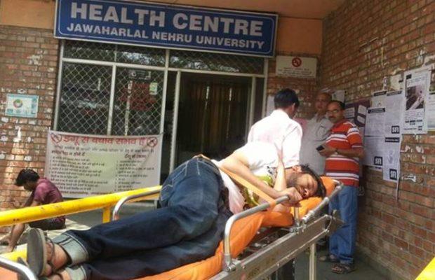 JNU में छात्रों की भूख हड़ताल: कन्हैया कुमार की तबीयत बिगड़ी