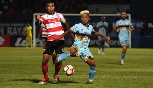 """Pemain Muda Persela Yakin Bisa """"Maling Poin"""" di Semen Padang"""