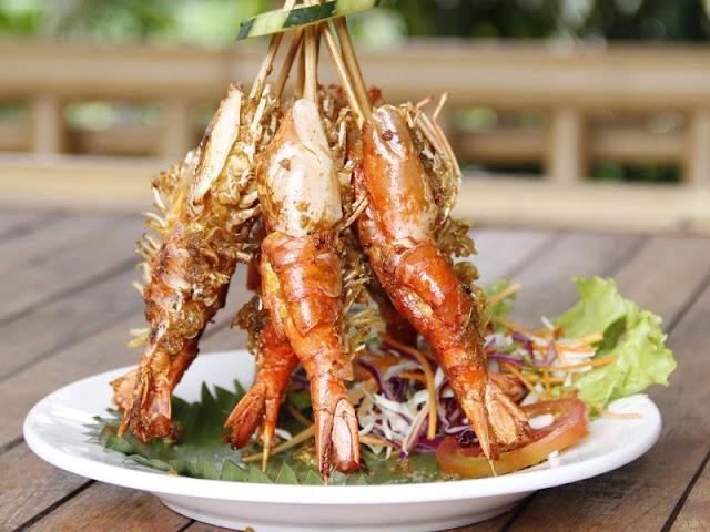 Tempat Wisata Kuliner di Bali yaitu Bale Udang Mang Engking