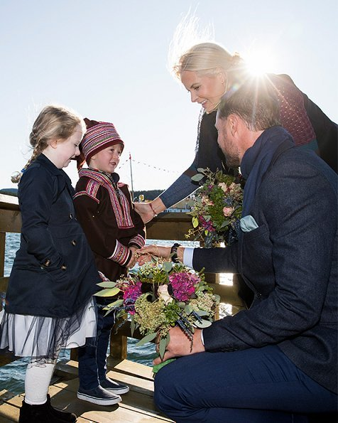 Prince Haakon and Princess Mette-Marit visited Fosnes and Flatanger municipality, Storfjellet hill. HNoMY Norge Royal Yacht. Syrian refugees