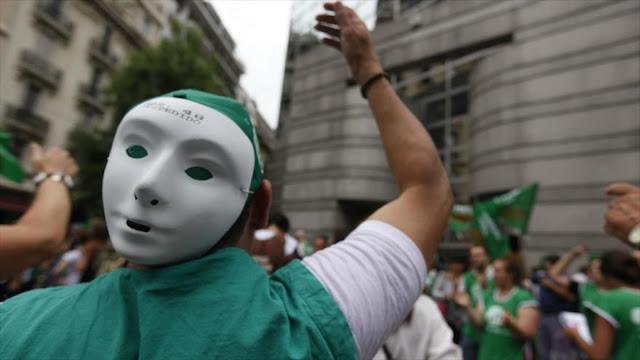 Trabajadores argentinos anuncian huelga contra gestión de Macri