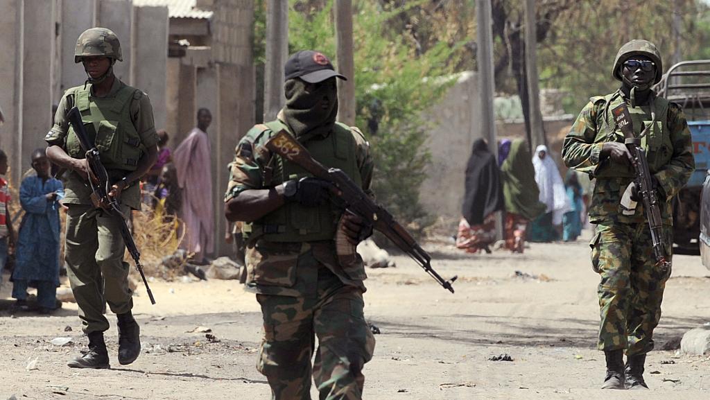 c7c5bf13c Terroristas matam pelo menos 19 em Guzamala