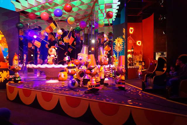 Carnaval Festival: Eine fahrt für die ganze familie