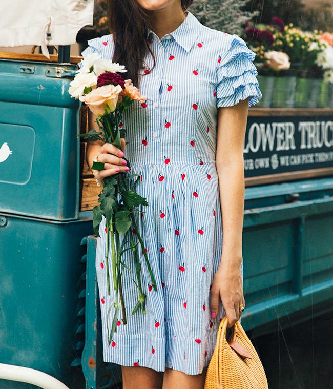 Classy Girls Wear Pearls: Amelia's Flower Truck