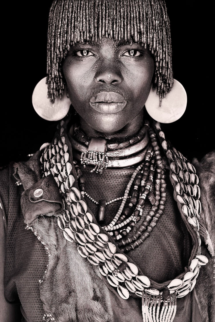 11 Mind-Blowing Pictures Of The Last African Nomads - A Hamar Lady in Ethiopia