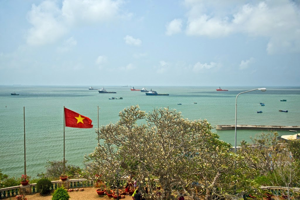 Vung Tau, a favorite beach of Southern people 24