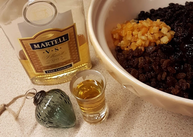 Honest all the alcohol goes in the bowl, mincemeat