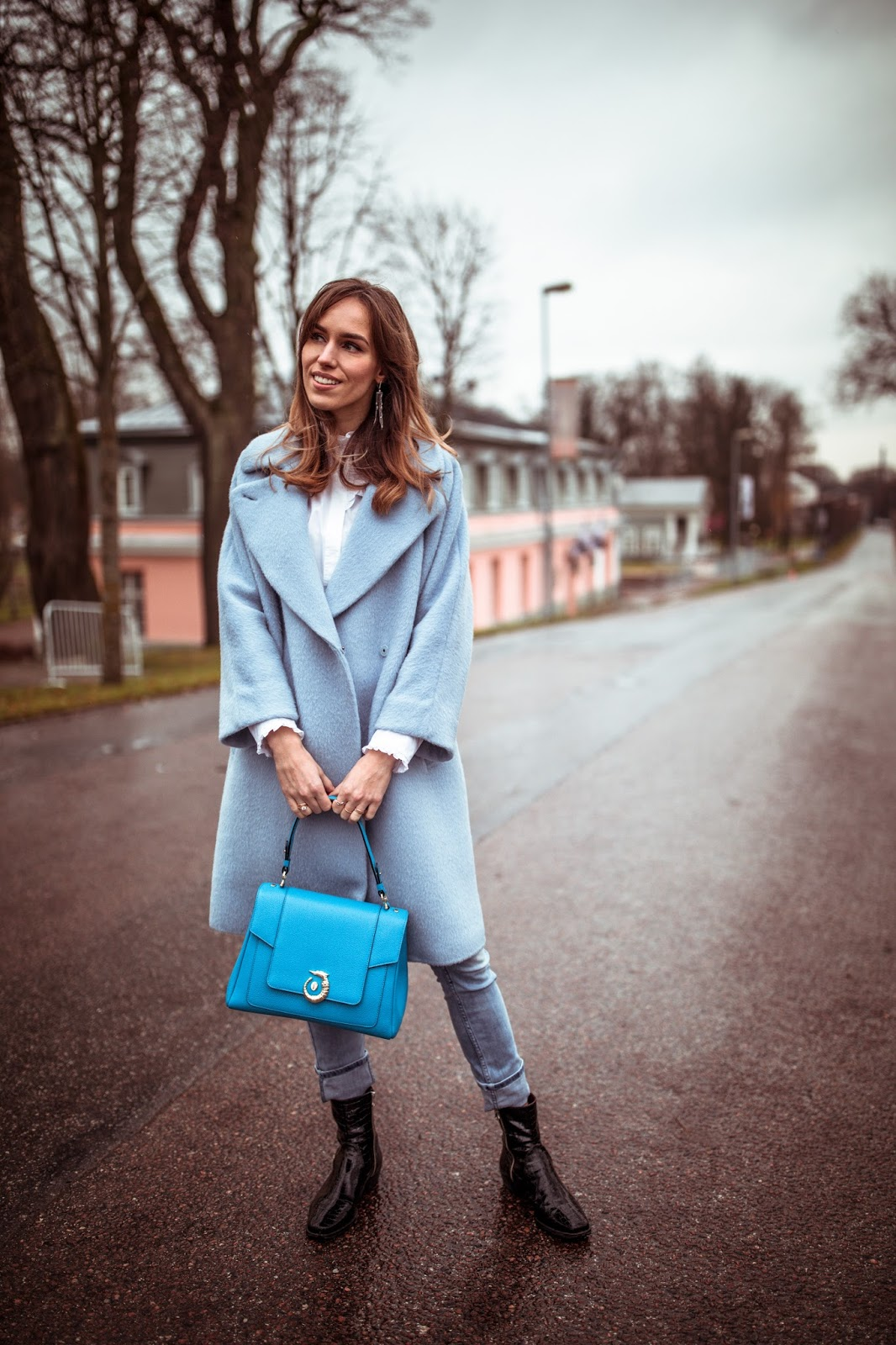 blue trussardi lovy bag outfit