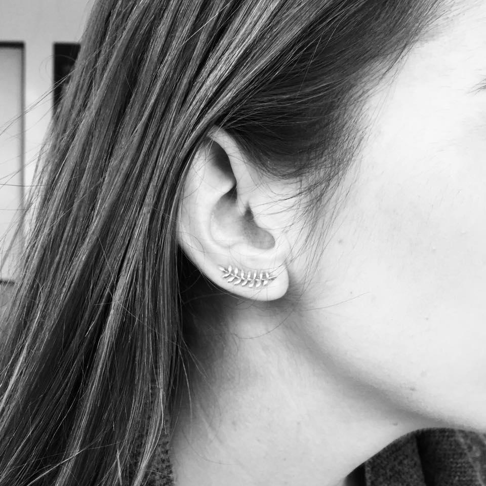 oorbellen langs oorschelp