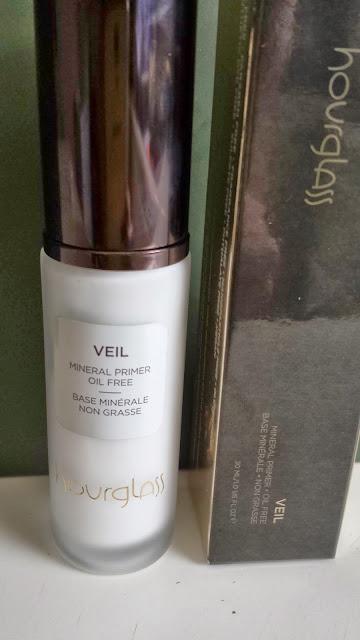 Hourglass Veil Mineral Primer - www.modenmakeup.com