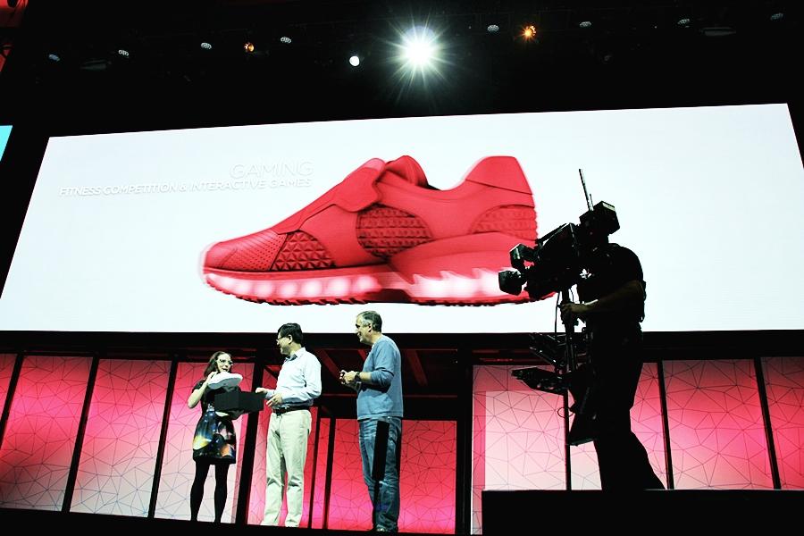 tech fashion shoes