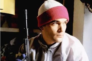 El actor Antonio Banderas pidió disculpas por publicar una controversial foto después de la masacre en Florida.