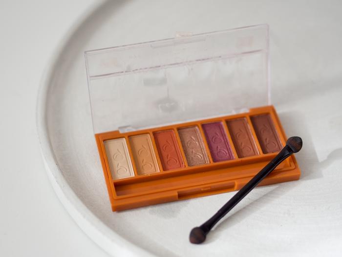 paletka z pomarańczowymi cieniami