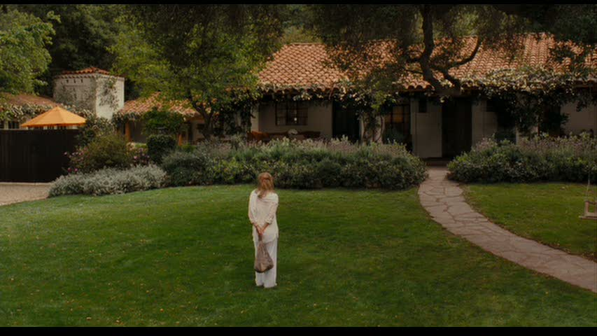 It's Complicated movie front yard and exterior of home