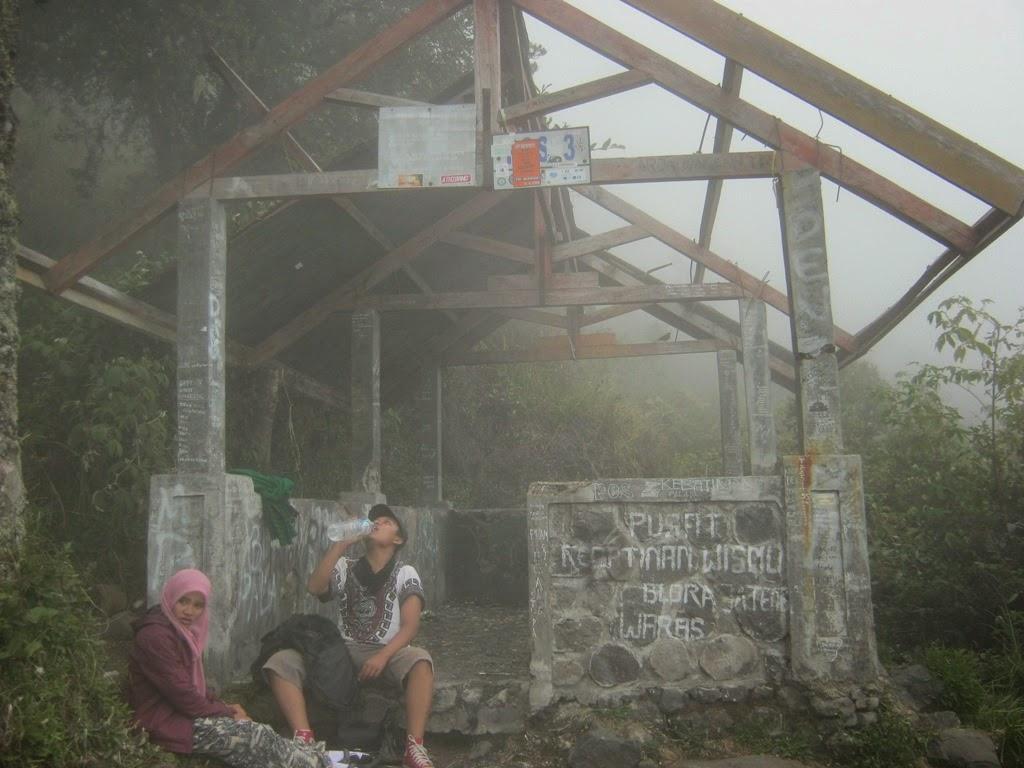Pendakian Gunung Lawu 3 265 Mdpl Via Cemoro Sewu Manusia Lembah