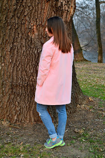 http://lookgaby.blogspot.co.uk/2015/03/pink-coat-and-sneakers.html