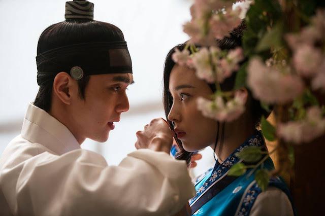 Mặt Nạ Quân Chủ Chưa kịp gặp Kim So Hyun, ai nấy đã phát bực với nữ phụ!