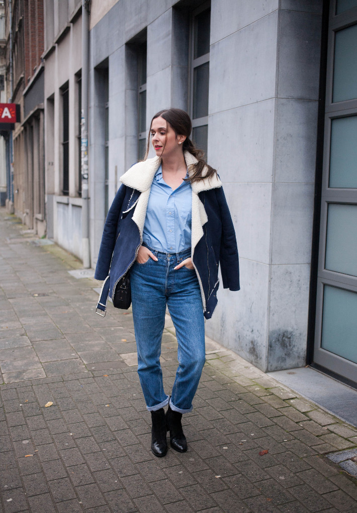Outfit: shearling coat, mom jeans and Zinda western boots
