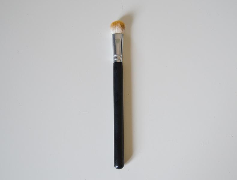 Crown Brush C417 Chubby Shadow Brush