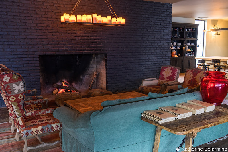 Rooms Hotel Kazbegi Lobby Fireplace Review