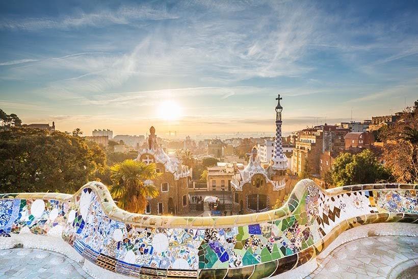Cripta da Colônia Güell em Barcelona - Foto: Shutterstock