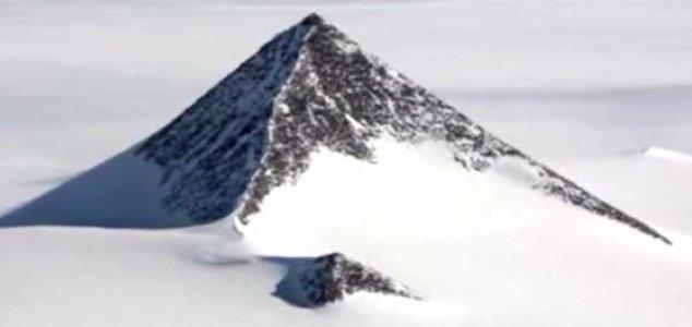 Antarktika'da Bulunan Piramit