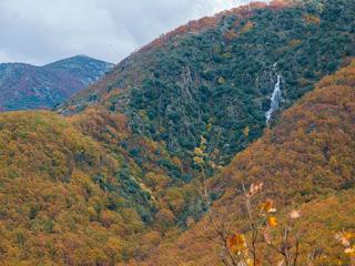 Paisaje del Valle del Jerte en otoño
