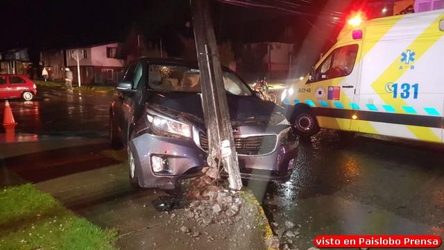 🚨 Accidente en Osorno: Colisión y choque contra poste deja 6 lesionados