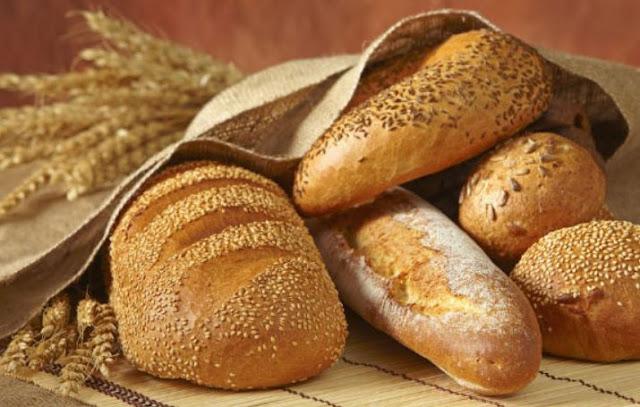 【Phải Biết】Làm Trắng Răng Bằng Bánh Mì Có Nguy Hiểm Không?