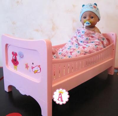 Большая кроватка для кукол