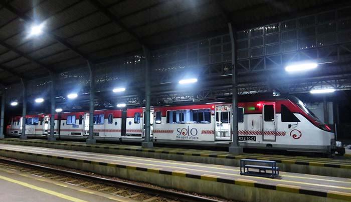 Railbus Batara Kresna Tujuan Wonogiri