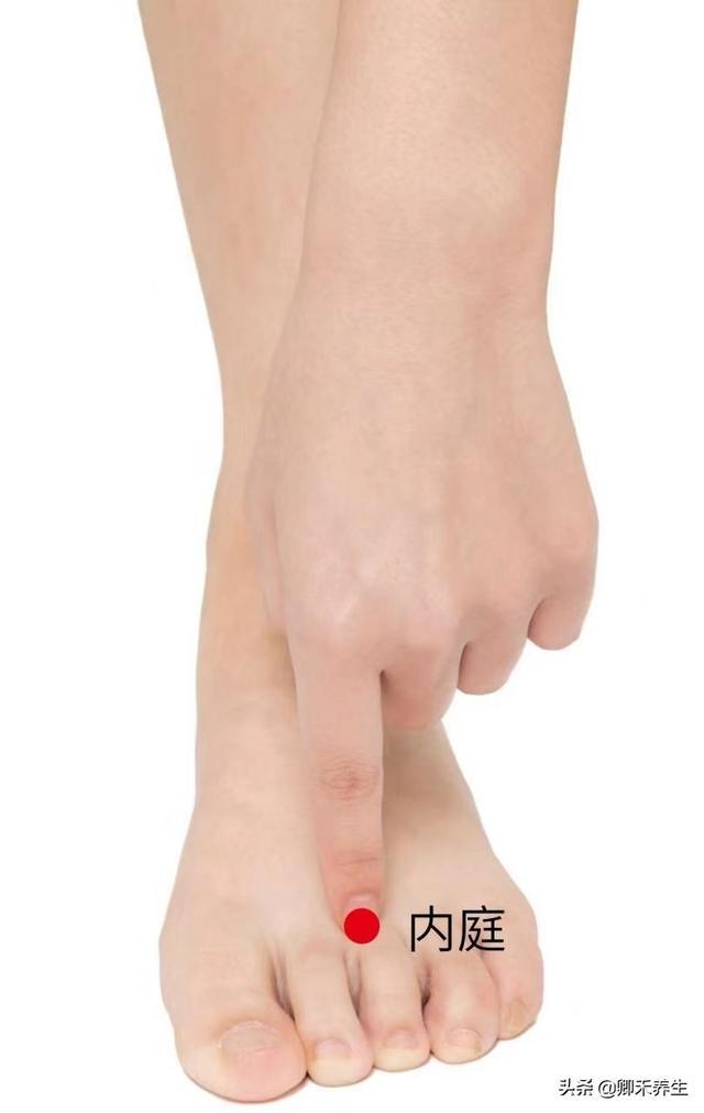 經絡養生:臉部提拉術,疏通易堵塞穴位讓臉頰肌膚緊緻有彈性(氣血充盈)