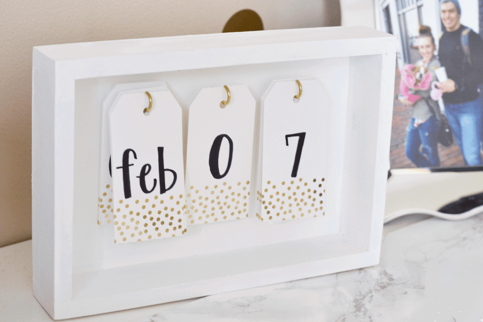 Desk Calendar Stand Diy : All things pink and pretty diy desk calendar mat