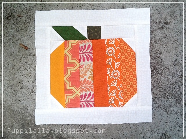 Puppilalla, Pumpkin Quilt Block, Quilting Bee, Scrap Busting, Scrappy Quilt Block