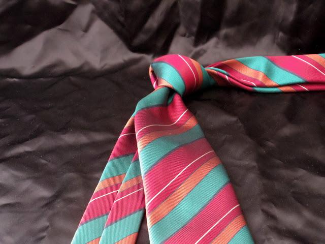 シャルベのネクタイ