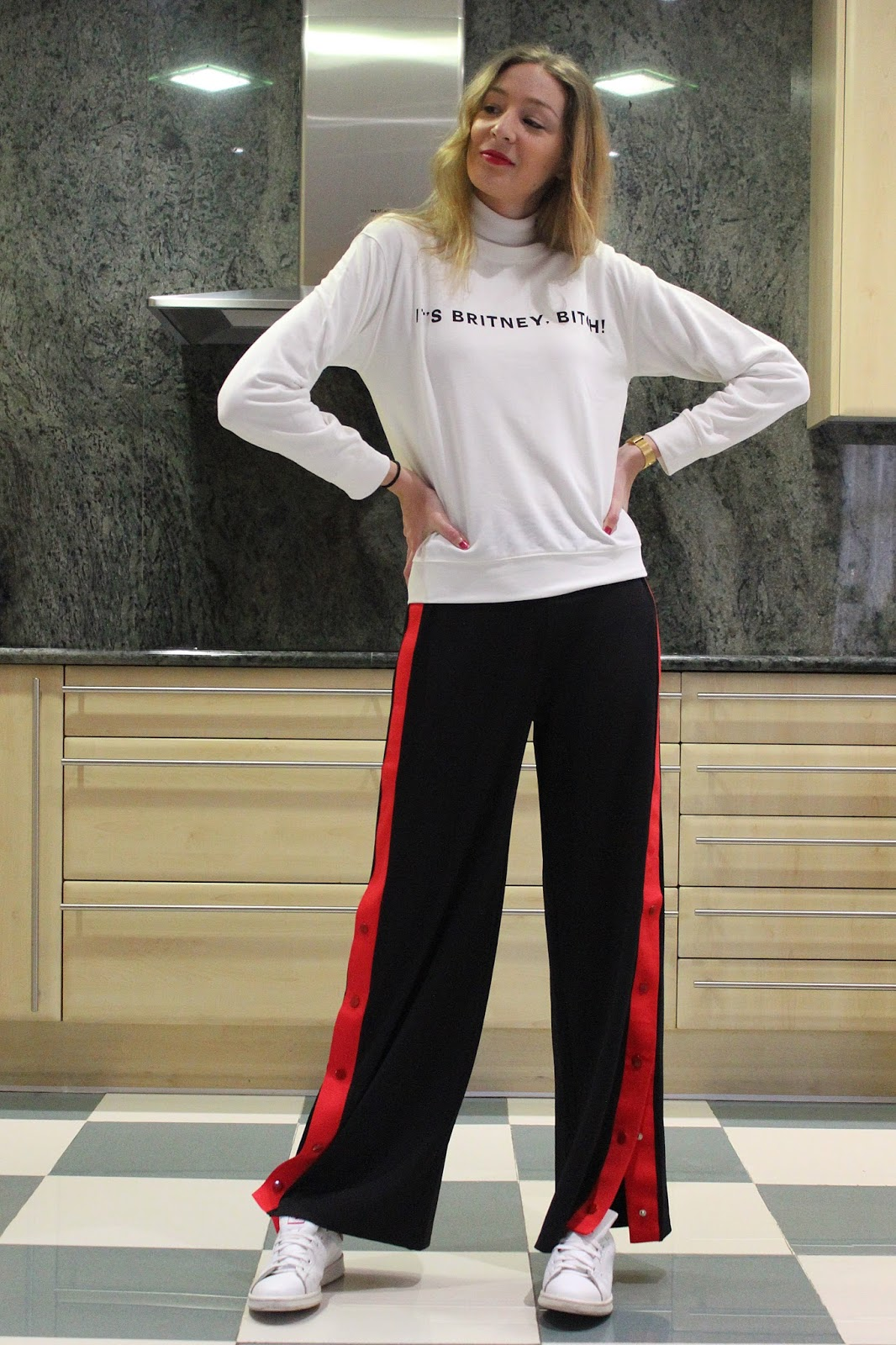 track-pants-street-style-stripe-red-buttoned-wide-leg