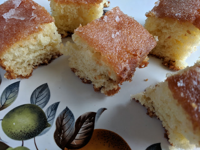 lime drizzle traybake cake