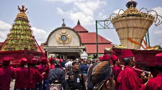 Yogyakarta adalah kota budaya yang terkenal dengan toleransi.