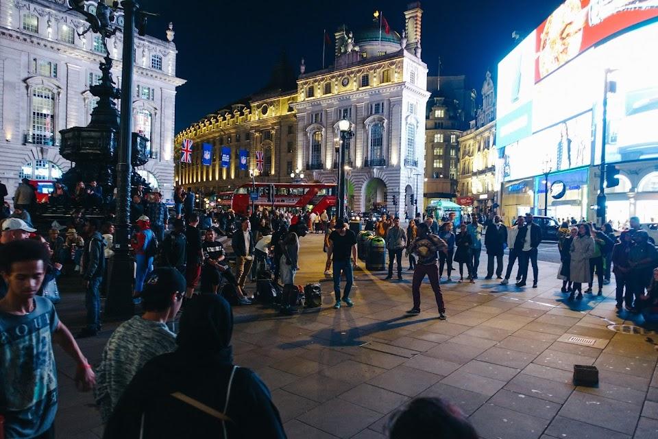 ピカデリーサーカス(Piccadilly Circus)