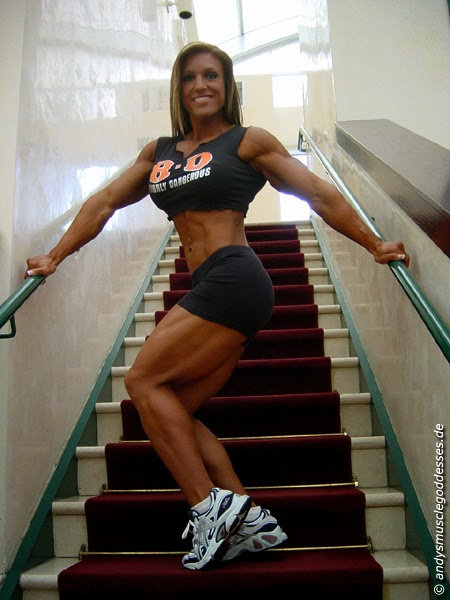 Gina Davis - Female Bodybuilder
